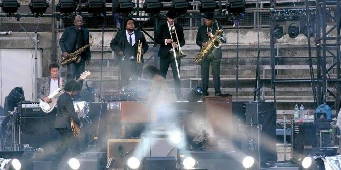 """Tournée 2015/2016 de johnny """"RESTER VIVANT """" Dates de tournée et Part 1 les festivals 11702610"""