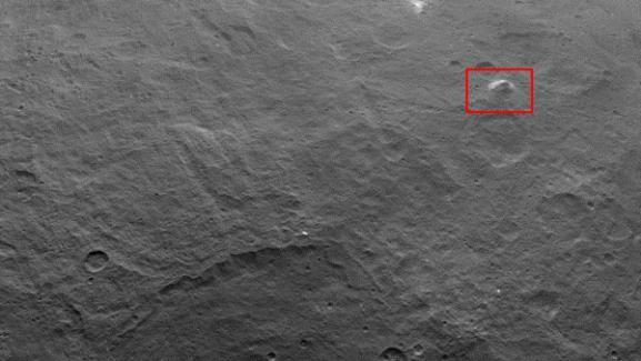 La planète naine Ceres intrigue beaucoup les scientifiques et planétologues... Xeres210