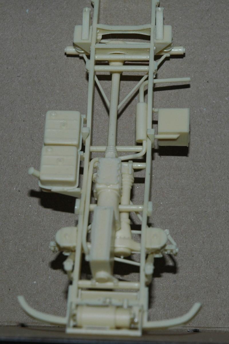Montage spécial Mika. MB Unimog 404 Portugais en Angola ou Mozambique de chez Das werk Dsc_0011
