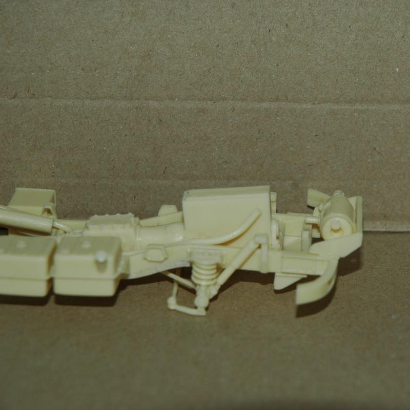 Montage spécial Mika. MB Unimog 404 Portugais en Angola ou Mozambique de chez Das werk Dsc_0012