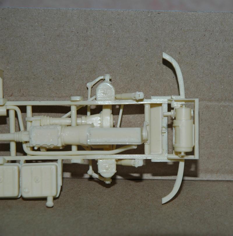 Montage spécial Mika. MB Unimog 404 Portugais en Angola ou Mozambique de chez Das werk Dsc_0013