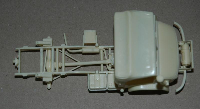 Montage spécial Mika. MB Unimog 404 Portugais en Angola ou Mozambique de chez Das werk Dsc_0023