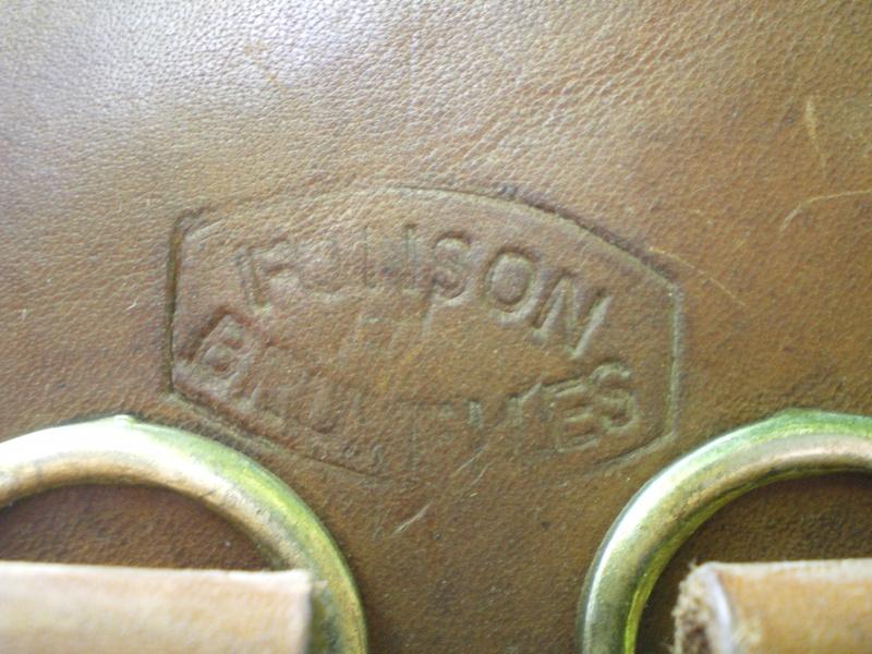 ORIGINAL OU COPIE - Etui FN GP 35 - identification des tampons à l'intérieur d'étui belge - Page 3 Imgp0216