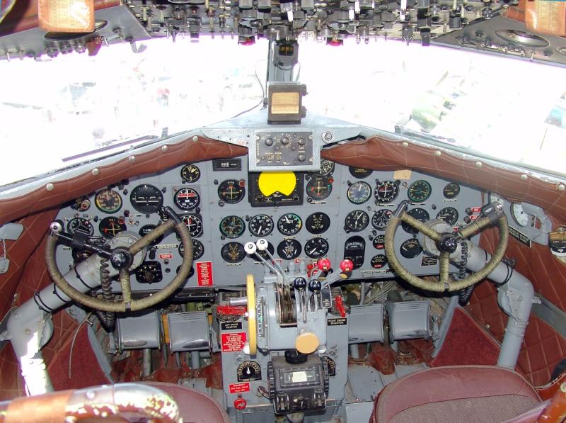 DOUGLAS DC3 N34--d10