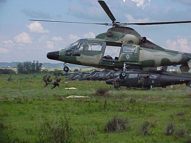 A Aviação do Exército Brasiseiro Panter11