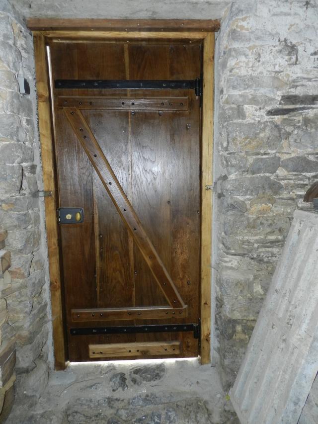 Réfection de la porte de l'ancienne étable devenue menuiserie Vauvyr78