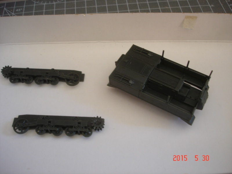 High Speed Tractor M5 et M2 155mm Gun Long Tom [Hasegawa - 1/72] Dsc00110