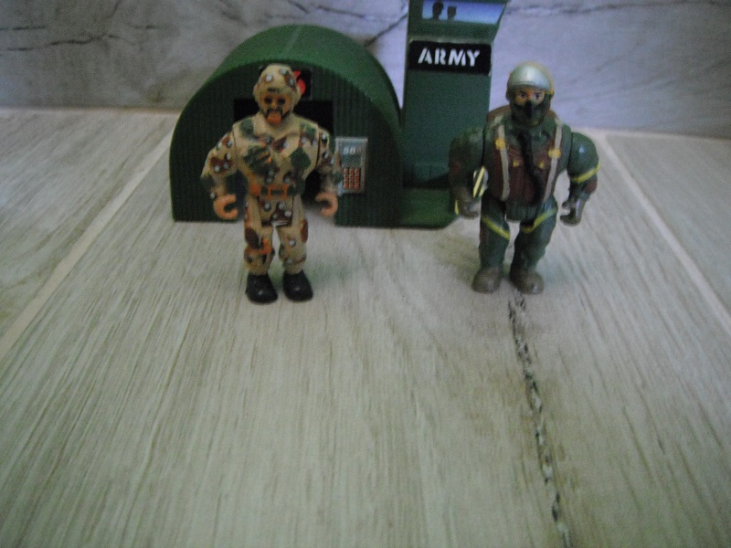 """CERCO """"TIPI TOSTI"""" della GIG soldatini muscolosi - scambio anche con giocattoli Jurassik Park - Pagina 3 Dscf4613"""