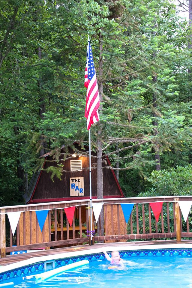 All Georgia Dubs Members are invited to a July 4th Party at the Bender Compound. 11728910