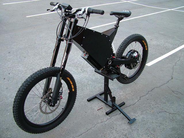 Entre vélo et moto Dscf7710