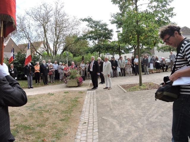 11 Août 2015 - Cérémonie à la mémoire du Sous Lt B. d ' Arcanques . Dscn3713