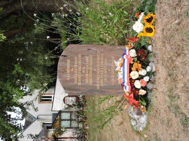 11 Août 2015 - Cérémonie à la mémoire du Sous Lt B. d ' Arcanques . Dscn3715