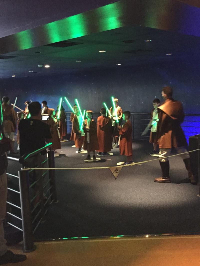 Jedi Training Academy à Vidéopolis - Page 2 121