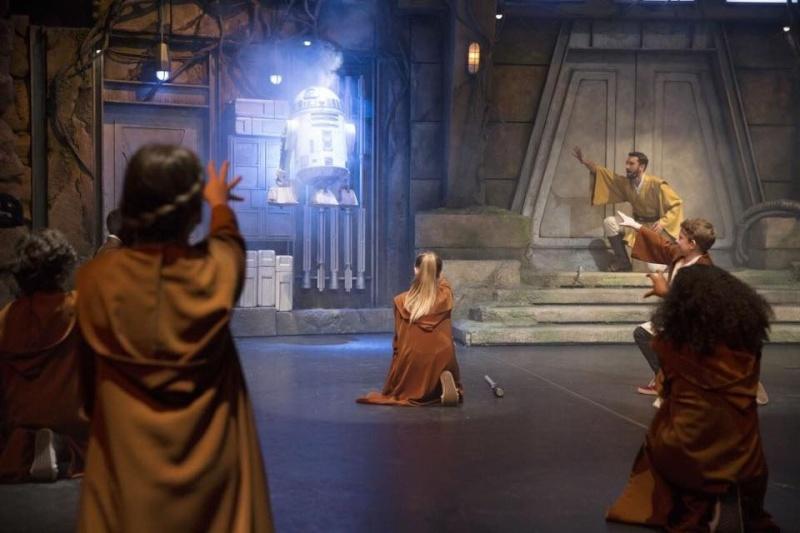 Jedi Training Academy à Vidéopolis - Page 2 220