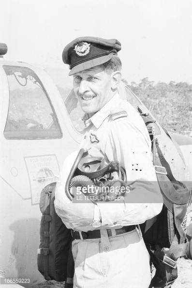 pilote et mercenaire  sur fouga-magister 16655910
