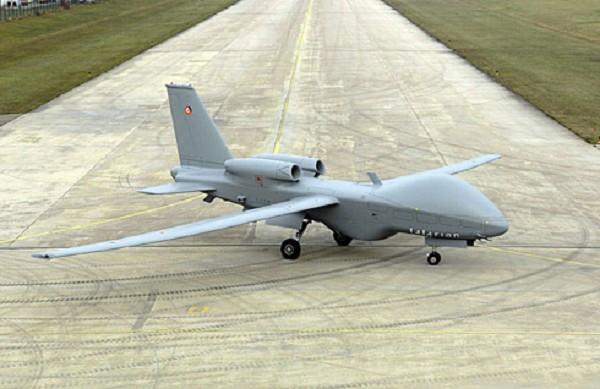 le nouveau drone eads : talarion type MALE (Moyenne Altitude, Longue Endurance).  Id383710
