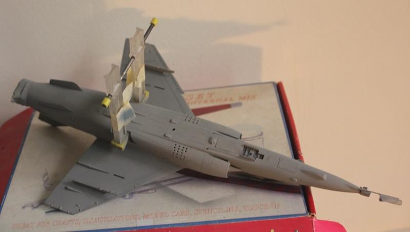 Mirage F1  AD / AZ Italeri 1/48 - Page 2 Img_9211