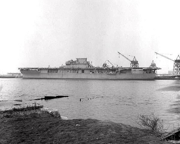 Les porte-avions americains Aa810