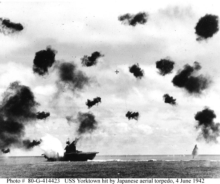 Les porte-avions americains Yorkto10