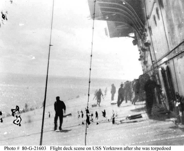 Les porte-avions americains Yorkto12