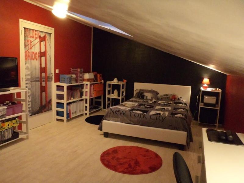 Chambre d'ado thème NY avec du rouge - Page 2 11892210