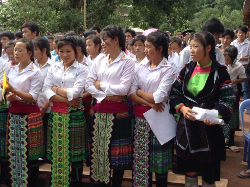 Người Công Giáo H, Mông ở Điên Biên Hmoob Kav Tos liv (Catholic) nyob xeev Dien Bien cob tsib teb 11032610