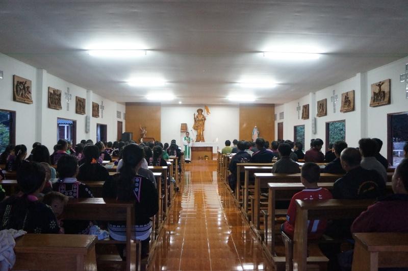 Hmoob Catholic nyob Tuam Tshoj 11222410
