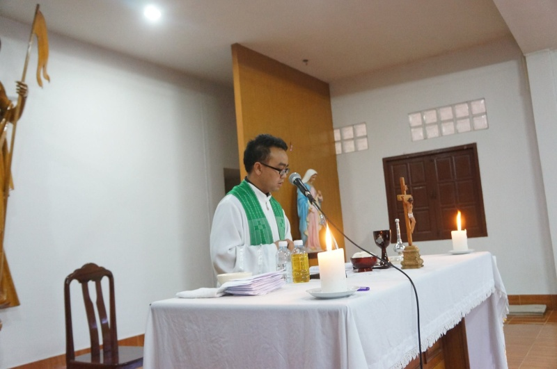 Hmoob Catholic nyob Tuam Tshoj 11794110