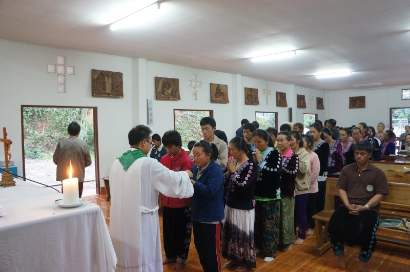 Hmoob Catholic nyob Tuam Tshoj 11802810