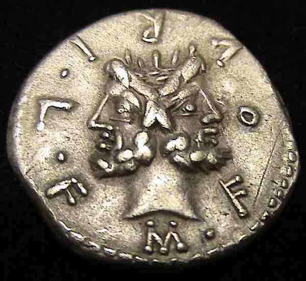 Nouveau denier de la gens Furia 10895310