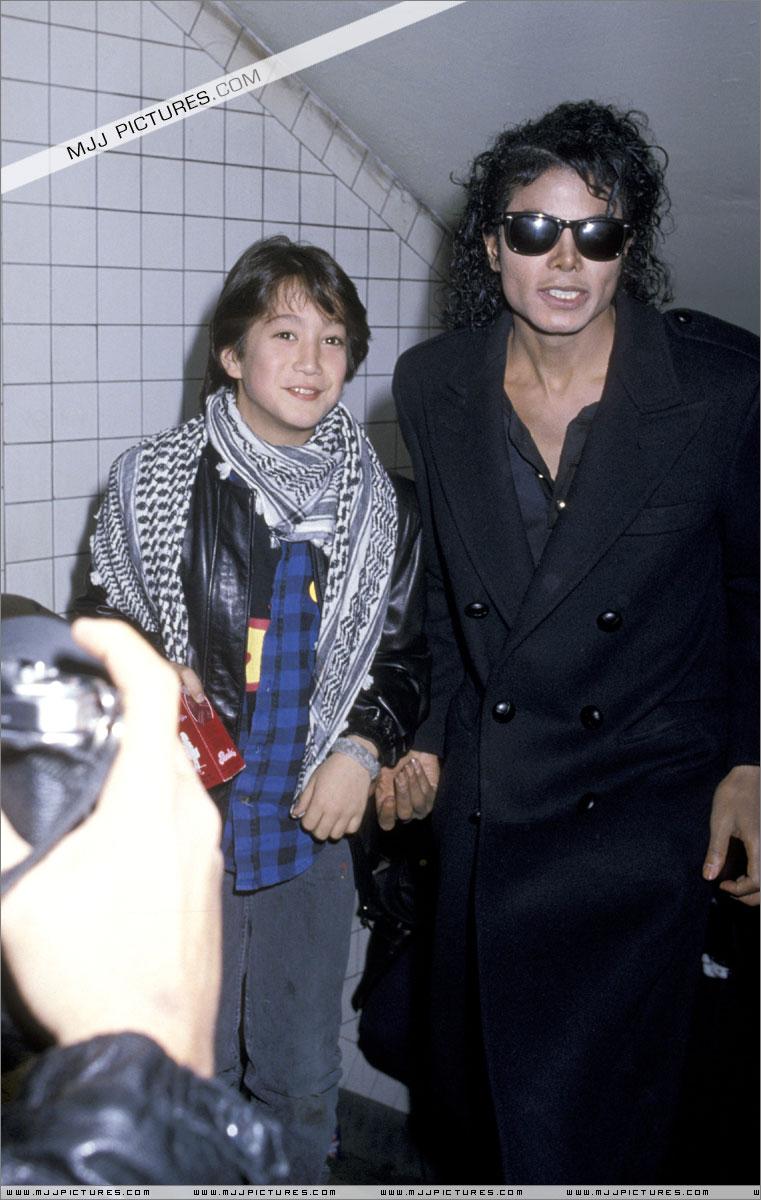 Foto di Michael e i bambini - Pagina 11 01211