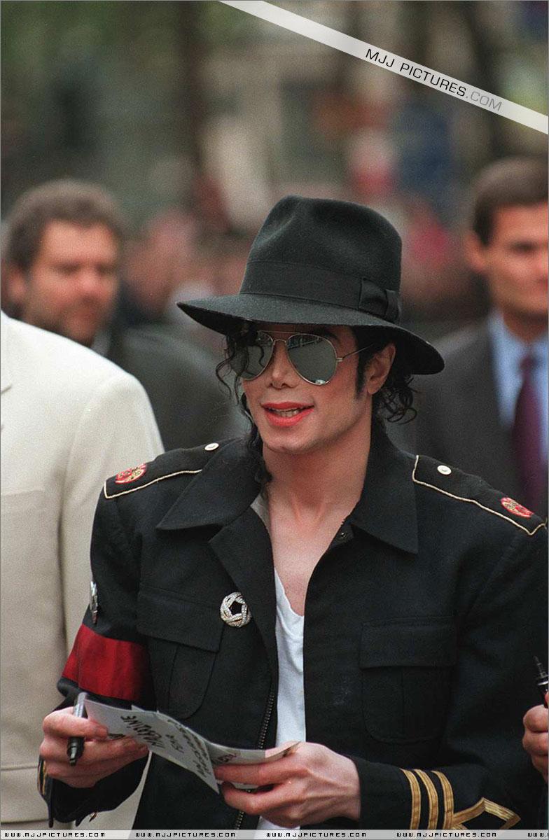 Il sorriso di Michael - Pagina 3 20k39j10