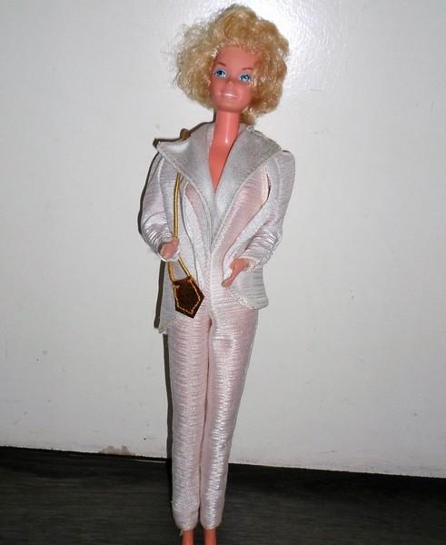 Les Barbie d'Anubislebo - Page 6 Design12