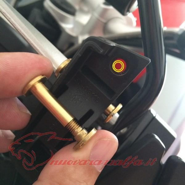 BMW K50 R1200GS LC Smarrimento (o furto?) & SOSTITUZIONE perno meccanismo parabrezza Max45018
