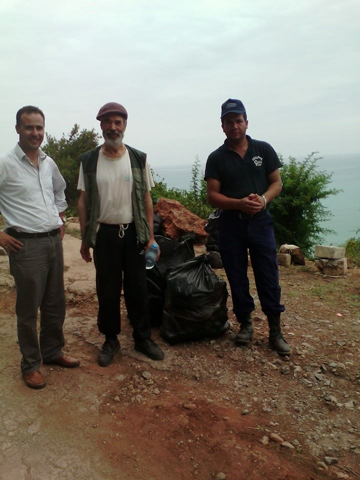 volontariat de nettoyage de la route du Cap  Aokas le 13 juin 2015 - Page 2 555
