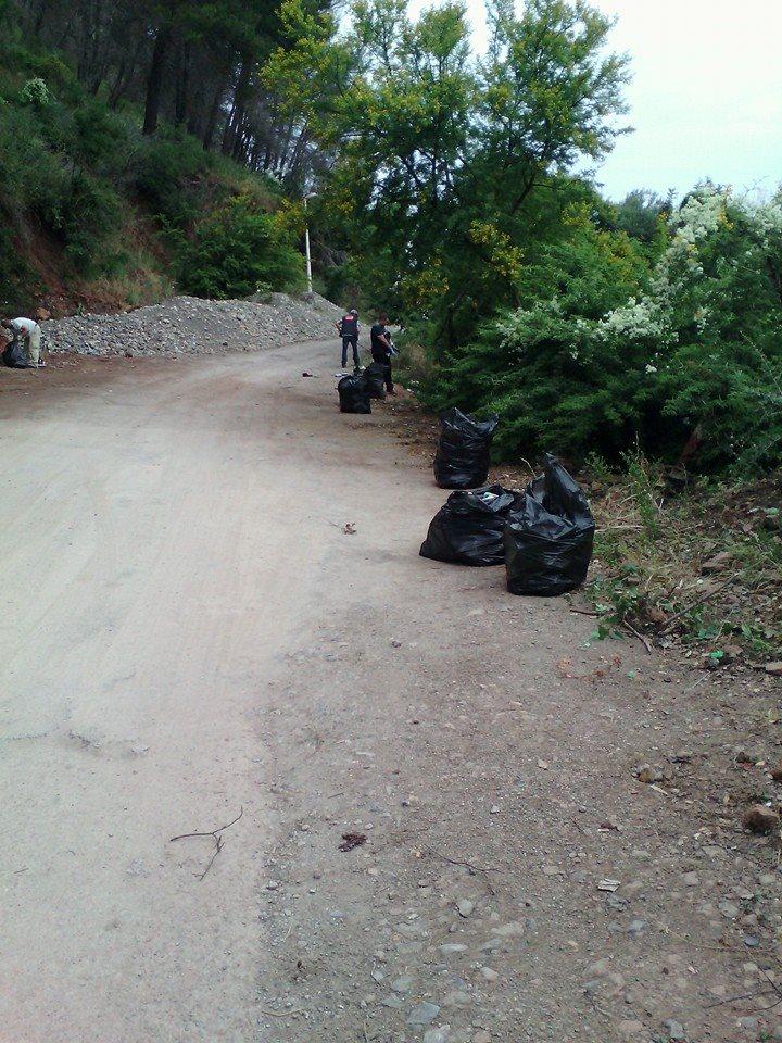 volontariat de nettoyage de la route du Cap  Aokas le 13 juin 2015 - Page 2 559