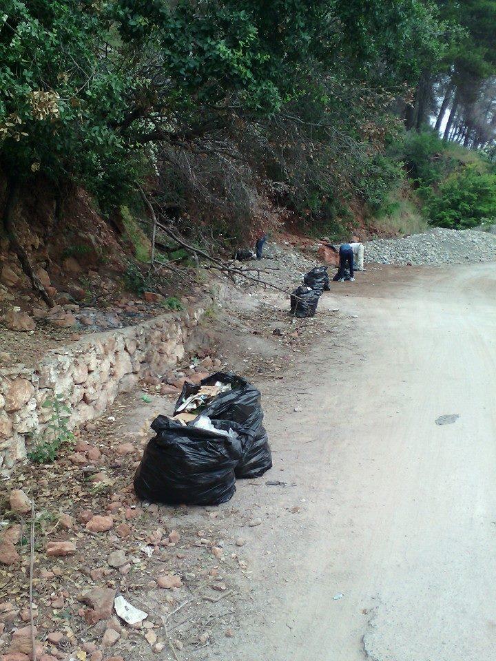 volontariat de nettoyage de la route du Cap  Aokas le 13 juin 2015 - Page 2 560