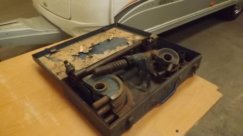 Une petite réparation sur le gaz, çà vous dit.... Dscf0511