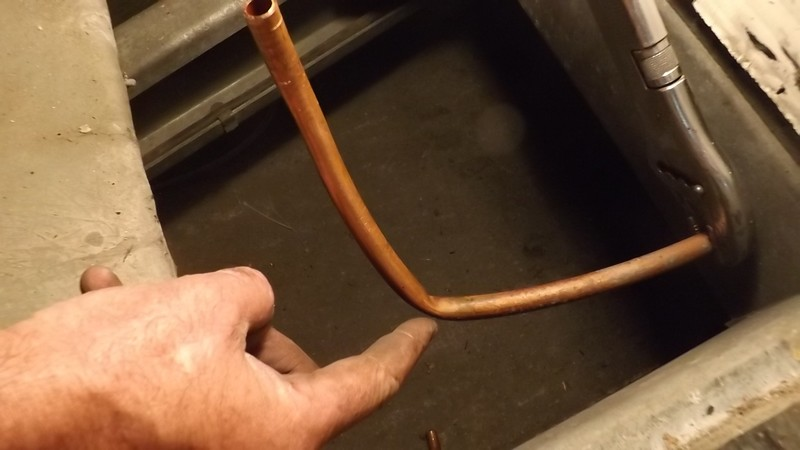 Une petite réparation sur le gaz, çà vous dit.... Dscf0516