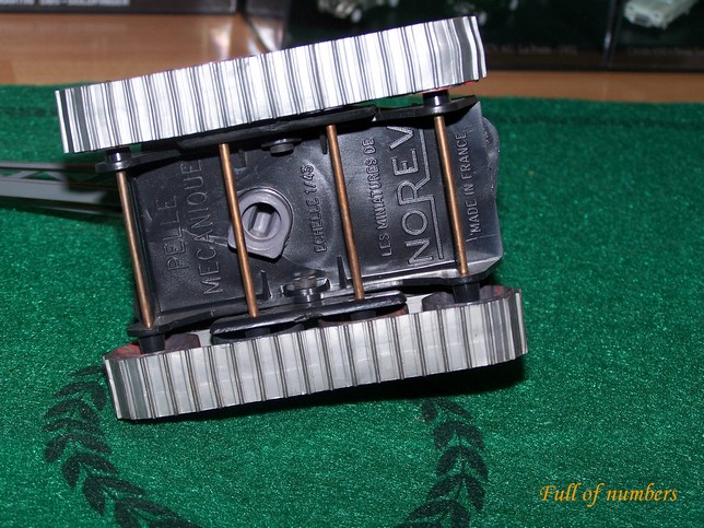 N° 112 Pelle mécanique 1/43ème 101_7945