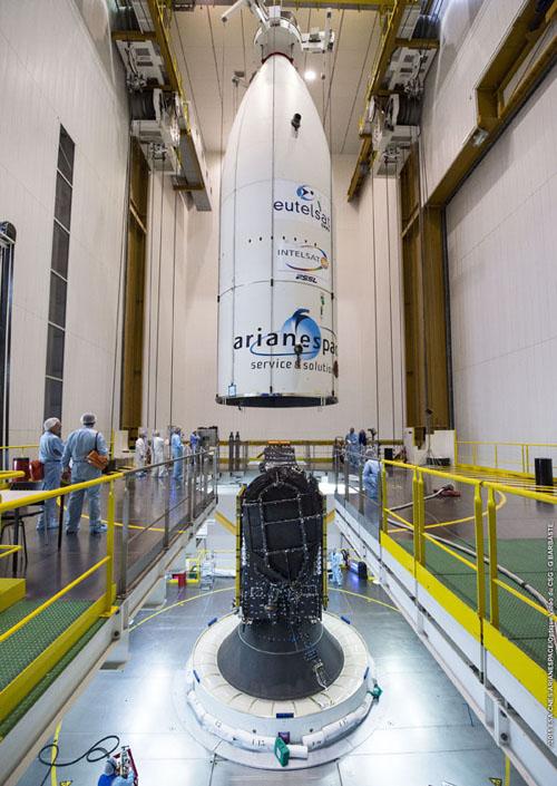 Lancement Ariane 5 ECA VA225 / Eutelsat 8 West B + Intelsat 34 - 20 août 2015 Final-10