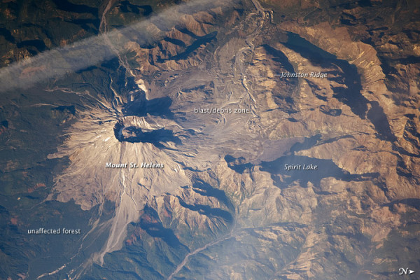 L'arc volcanique des Cascades (sujet participatif) - Page 2 05_28_10