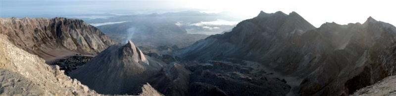 L'arc volcanique des Cascades (sujet participatif) - Page 2 Cratyr11