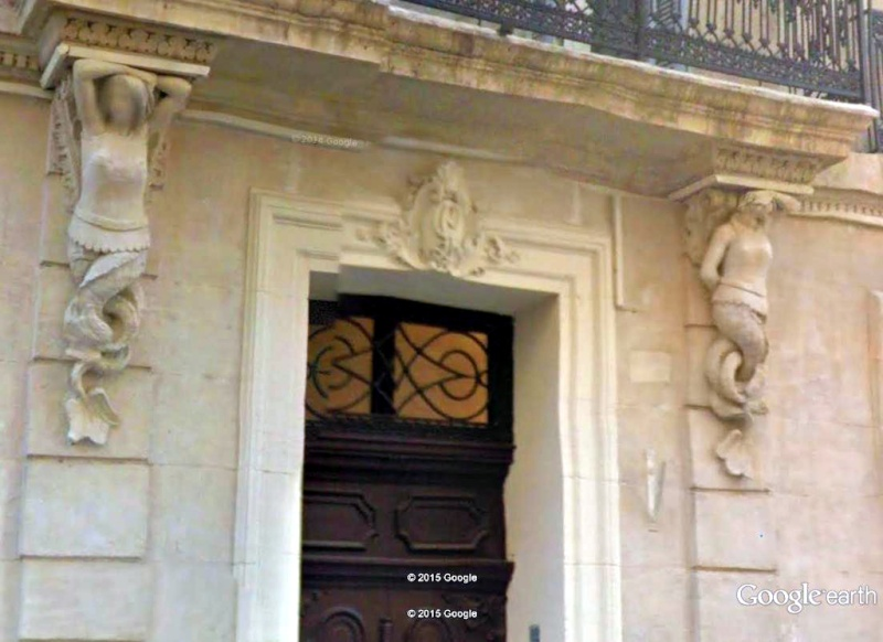 ARCHITECTURE : cariatides et atlantes - Page 2 Rue_sa10