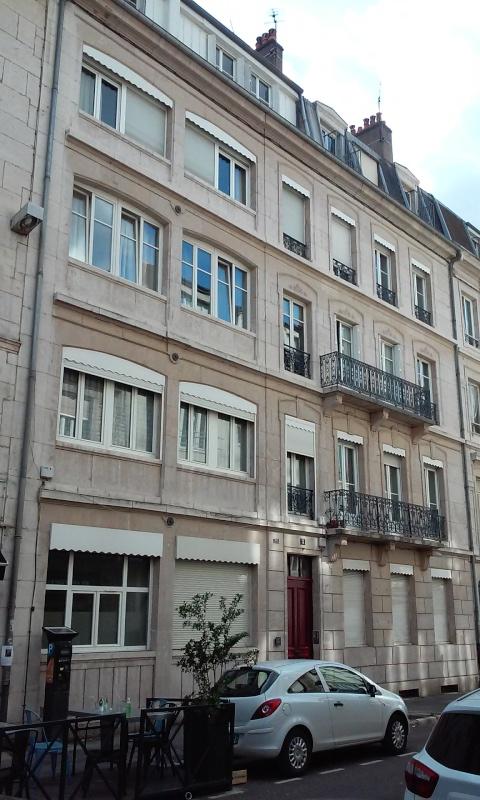 L'horlogerie et l'immobilier à Besançon - Page 3 One_mm10
