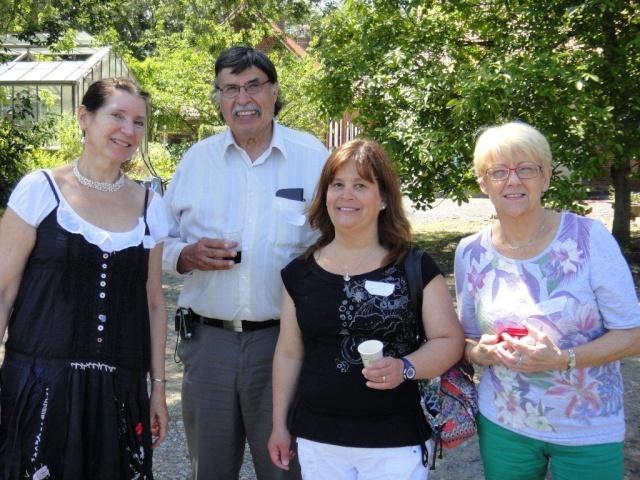 On the last saturday of june: Polyglot picnic (Invitation) Jacque22