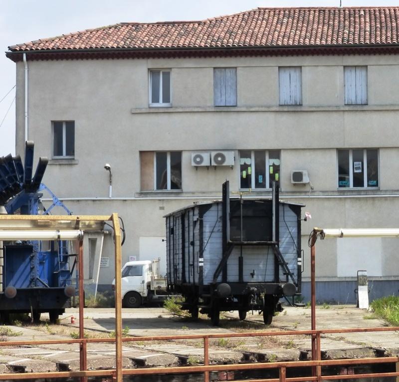 Exposition de matériel au dépôt de Nîmes du 12 au 14 juin 2015 P1040010