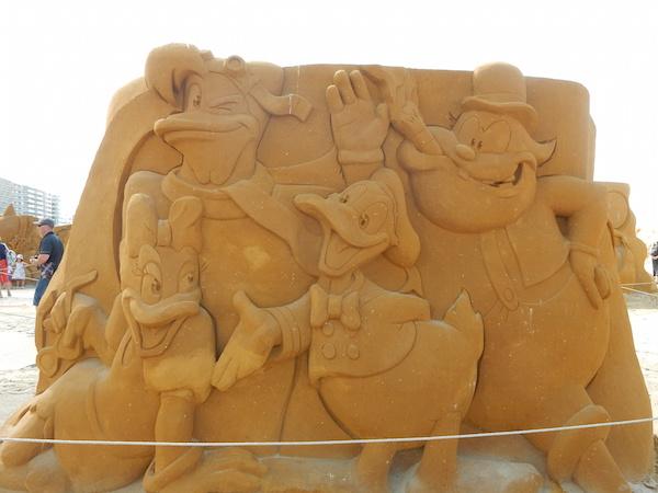 Sculpures sur sable Disney - News Touquet p.1 ! Flagad10