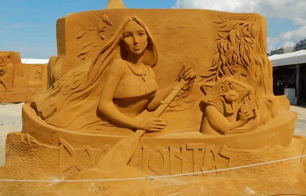Sculpures sur sable Disney - News Touquet p.1 ! Pocaho10