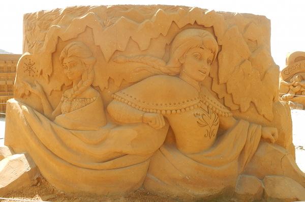 Sculpures sur sable Disney - News Touquet p.1 ! Reine_12